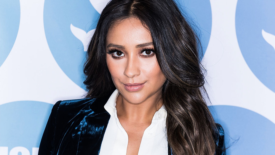 Shay Mitchell - 9th Annual Shorty Awards - Getty - H 2017