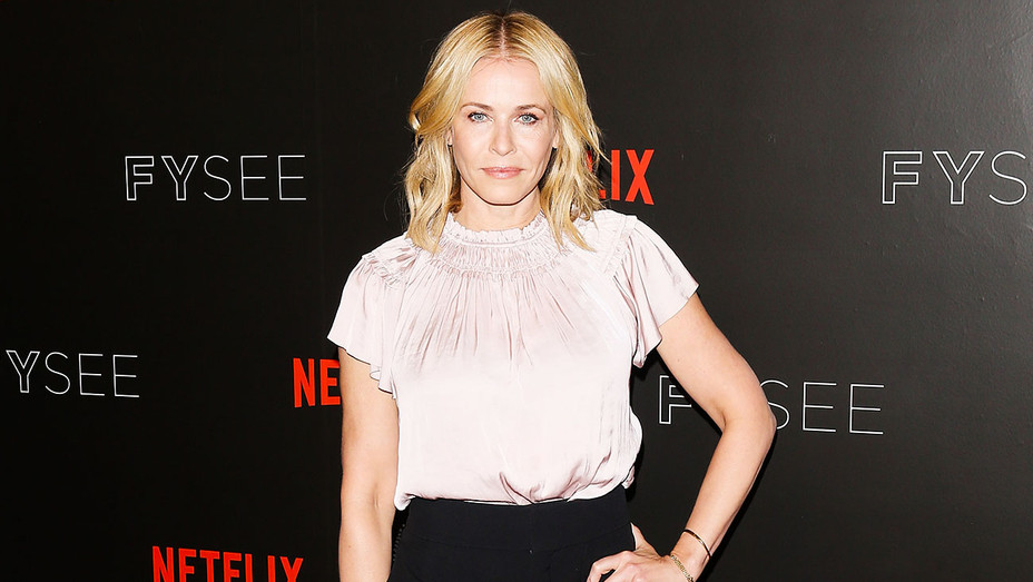 Chelsea Handler Developing I Hate The Internet As Tnt Drama Exclusive Hollywood Reporter