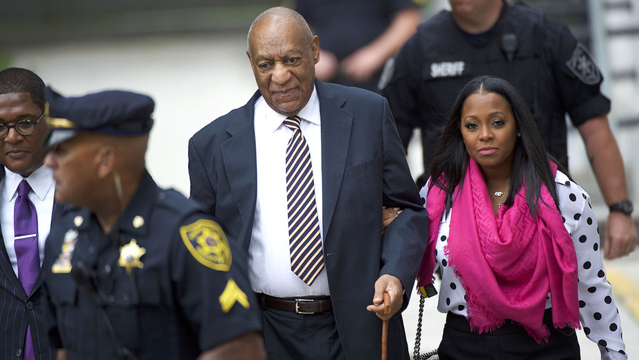 Bill Cosby arrives with actress Keshia Knight Pulliam - June 5, 2017 -Getty -H 2017