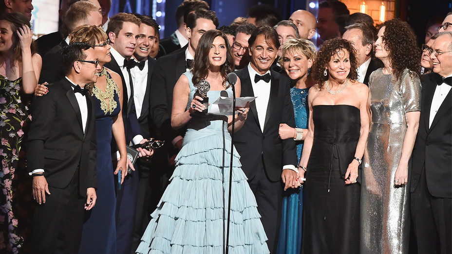 Dear Evan Hansen Cast - Tonys Win - Getty - H 2017