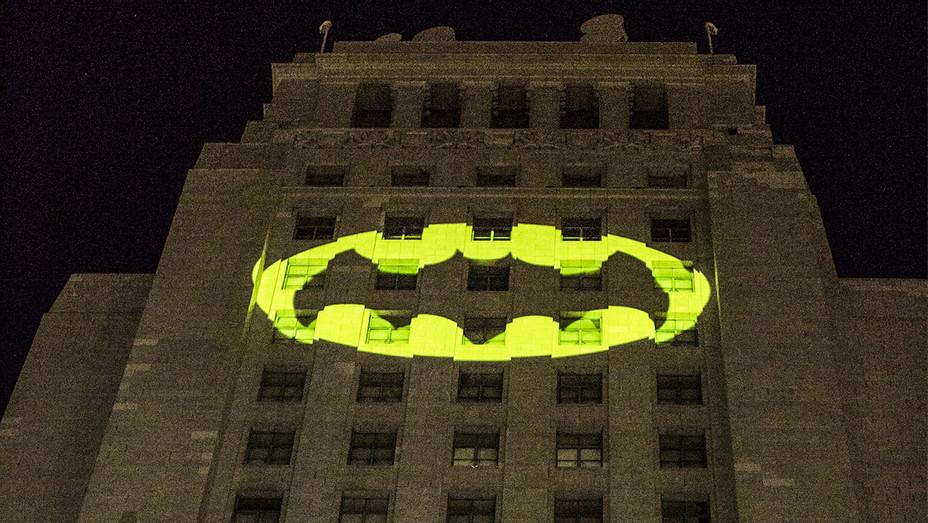 Los Angeles Adam West Tribute Batman Signal - Getty - H 2017