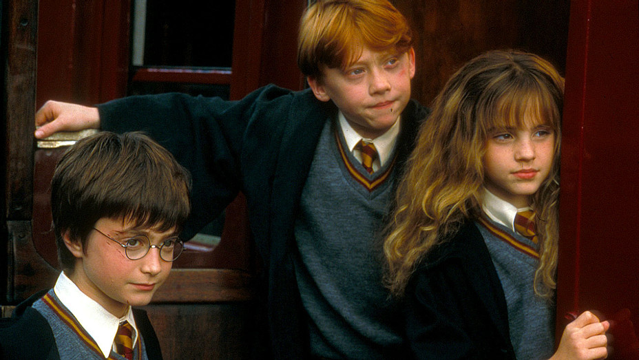 Harry Potter and the Sorcerer's Stone (2001) - Radcliffe, Grint, Watson - Photofest -H 2017