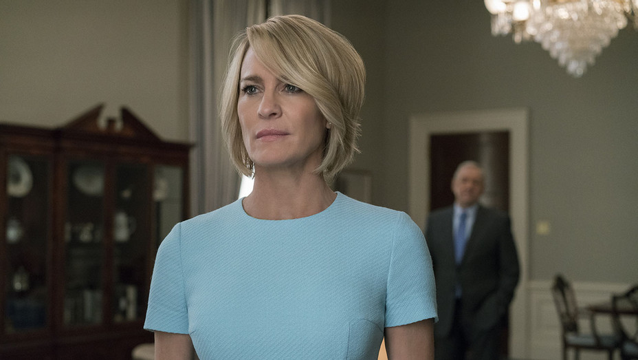 House of Cards S03E13 Still 1 - Publicity - H 2017