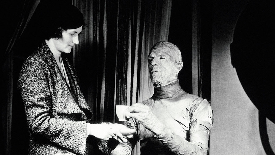 The Mummy Still 2 - BTS Boris Karloff and Jack Pierce - One Time Use Only - Everett - H 2017