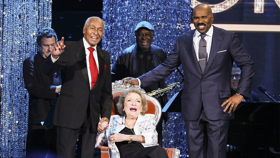 Little Big Shots: Forever Young Still Arthur Duncan, Betty White and Steve Harvey - Publicity - H 2017