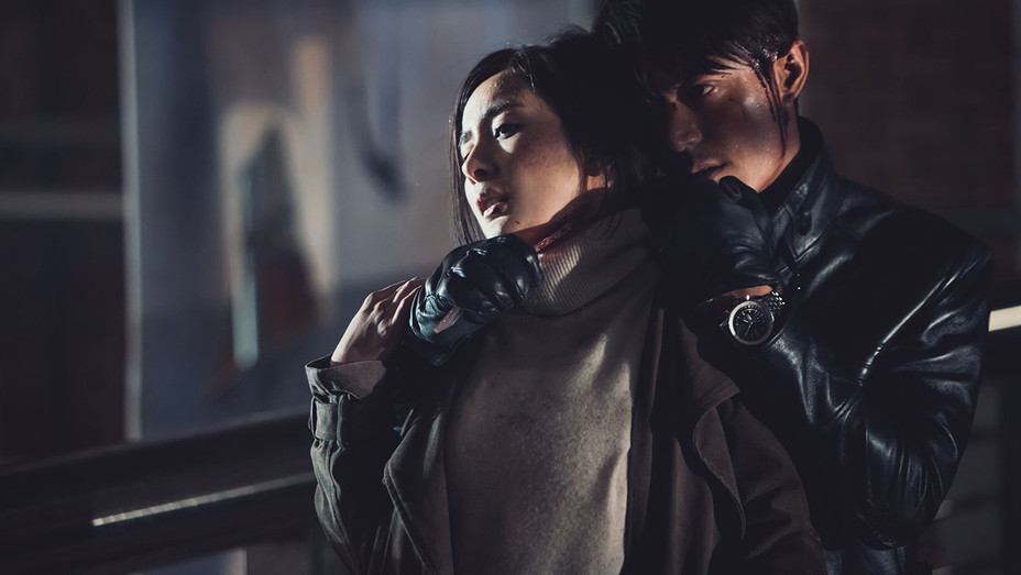 Reset- Still1 -Mini Yang and Wallace Huo -Publicity-H 2017