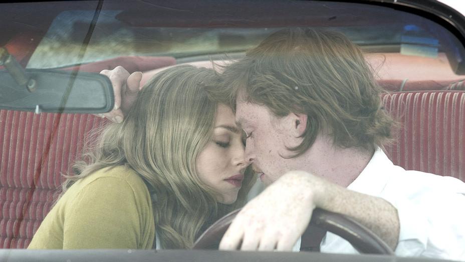 Twin Peaks - Amanda Seyfried and Caleb Landry Jones in car -Publicity-H 2017