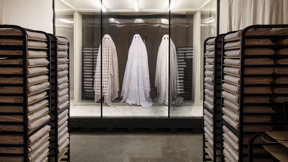 A Ghost Story Still 1 - Publicity - H 2017