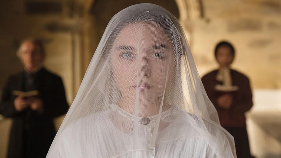 Lady Macbeth Still Florence Pugh - Publicity - H 2017