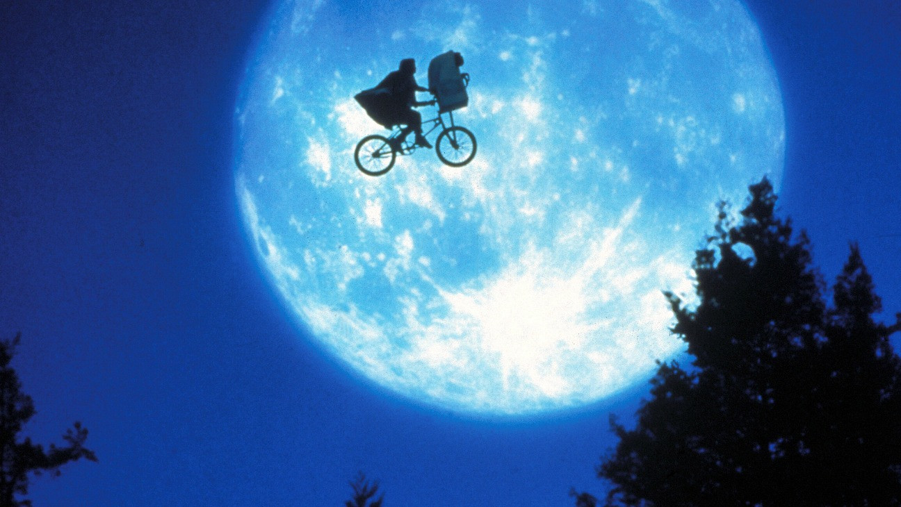 E T The Extra Terrestrial Thr S 1982 Review Hollywood Reporter