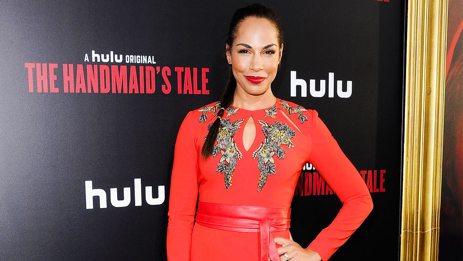 Amanda Brugel - The Handmaid's Tale Premiere - Getty - H 2017