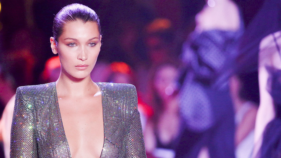 Bella Hadid - Alexandre Vauthier Paris Fashion Week - Getty - H 2017
