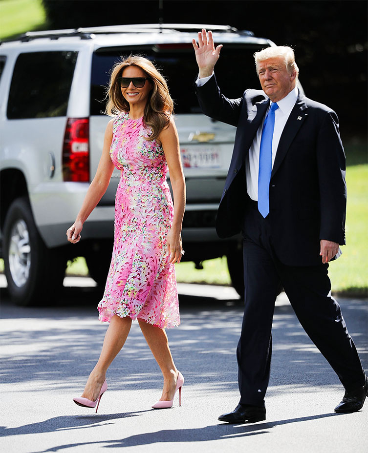 Melania and Donald Trump En Route to Youngstown Ohio - Getty - Embed 2017