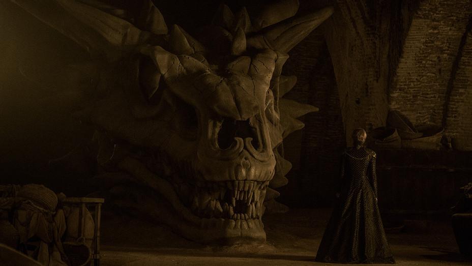 Game of Thrones Episode 702 Lena Headey and Dragon - H publicity 2017