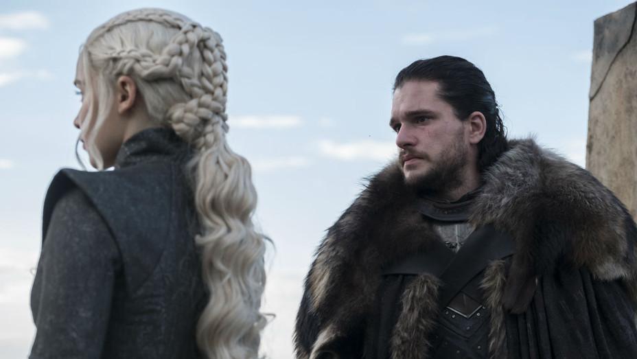 'Game of Thrones' S07E03 Daenerys and Jon Snow 2 - Still - H 2017