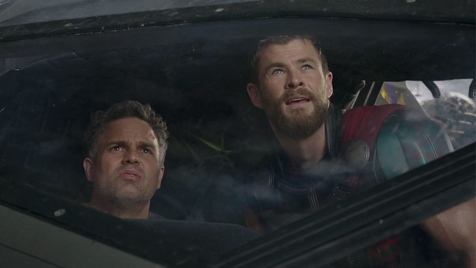 Thor: Ragnarok Trailer Still 5 - Publicity - H 2017