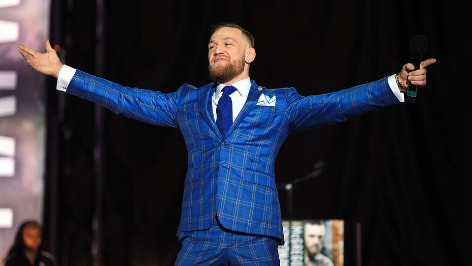 Conor McGregor Suit - Getty - H 2017