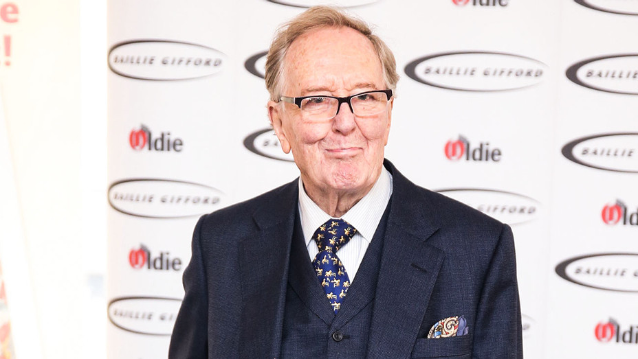 Robert Hardy - Oldie of the Year Awards Arrivals - Getty - H 2017