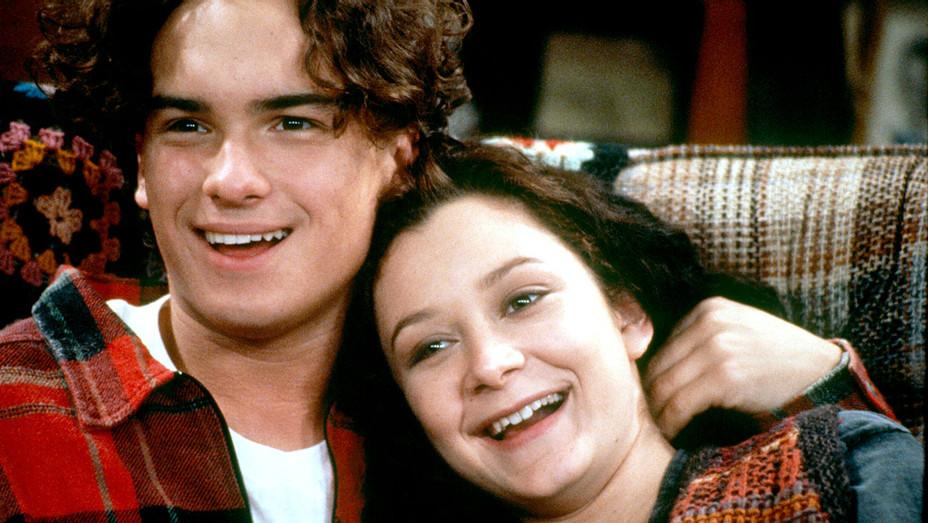 Roseanne (ABC) 1988 - 1997 - Johnny Galecki, Sara Gilbert - Photofest-H 2017