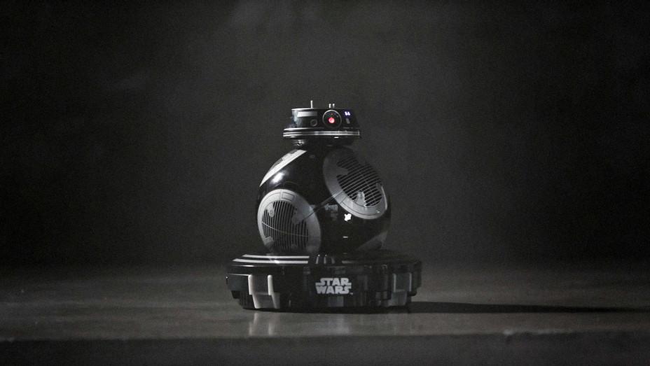 Star Wars App-Enabled Droids by Sphero Teaser - Screenshot - H 2017