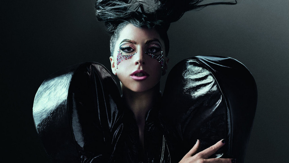 Lady Gaga x Tudor - Publicity - H 2017