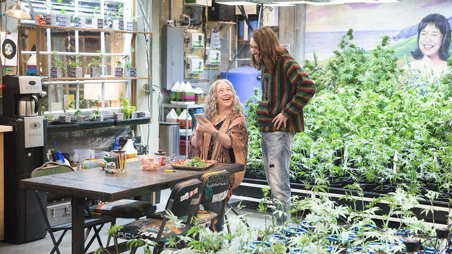 Disjointed S01E01 Still - Publicity - H 2017
