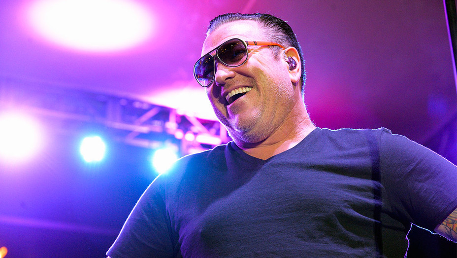 Steve Harwell Smash Mouth 2016 Summer Concert Series - Getty - H 2017