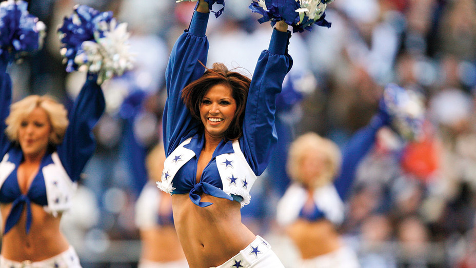 Melissa Rycroft of the Dallas Cowboys cheerleaders - December 25, 2006 -Getty-H 2017
