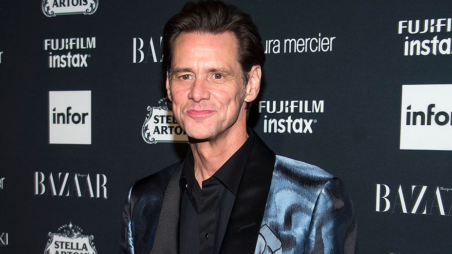 Jim Carrey attends 2017 Harper's Bazaar Icons - Getty-H 2017