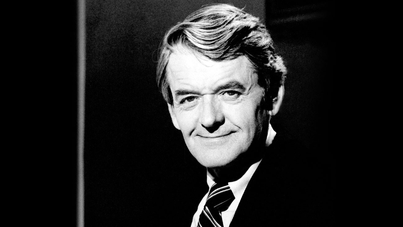 Hal Holbrook, Actor Who Channeled Mark Twain for Decades, Dies at 95