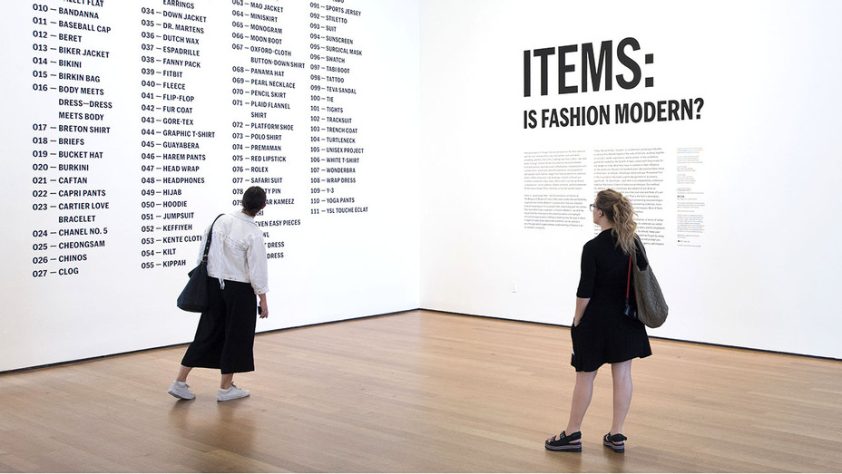 Items Is Fashion Modern - Publicity-H 2017