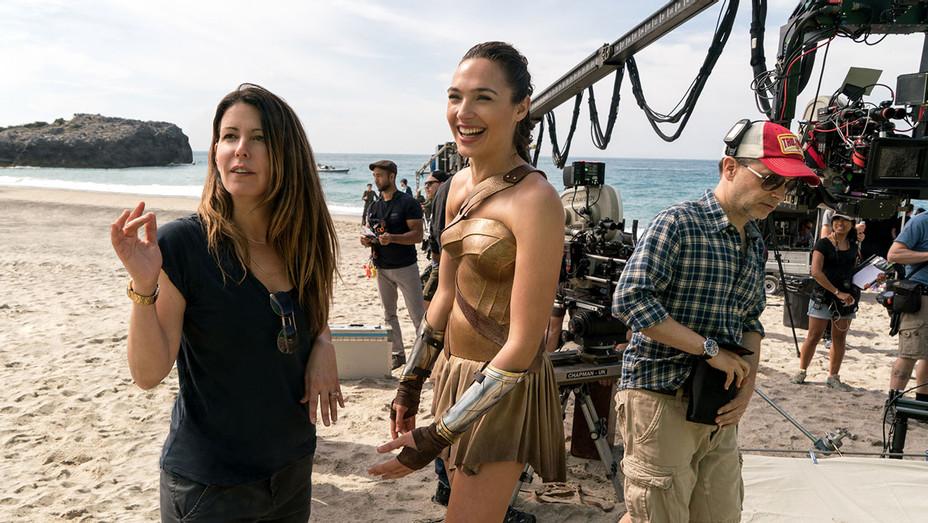 Wonder Woman (2017) - On the set -Patty Jenkins and Gal Gadot - Photofest -H 2017