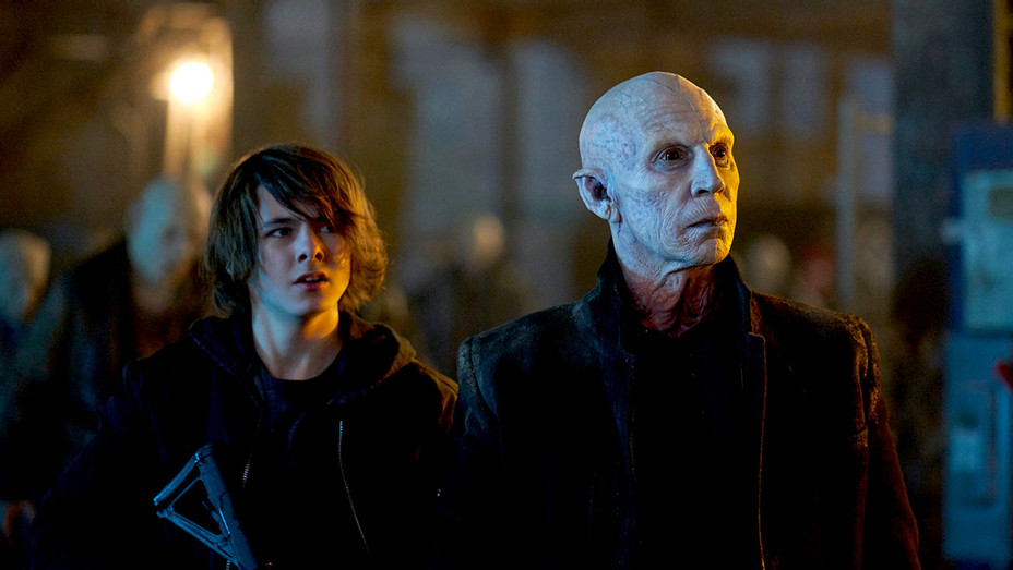 THE STRAIN - The Last Stand - Season 4, Episode 10 -Max Charles - Jonathan Hyde -Publicity-H 2017