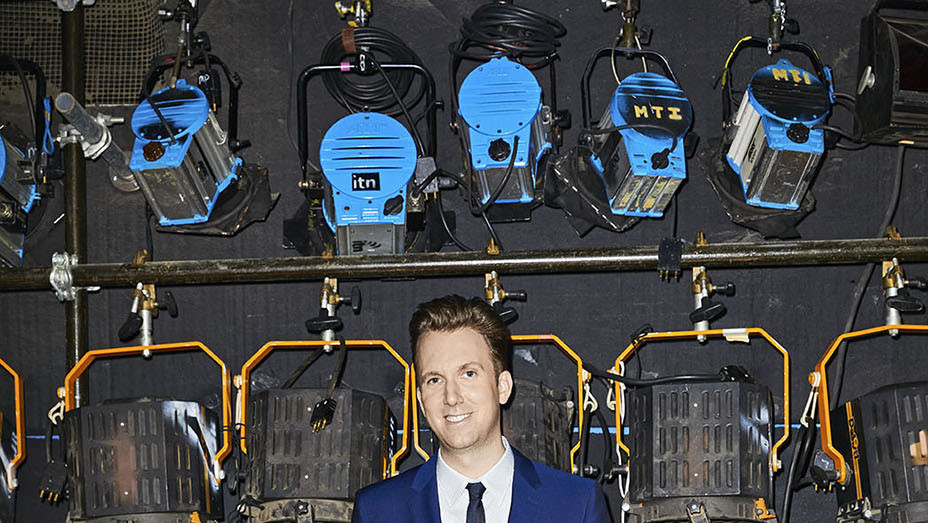 THR -Jordan Klepper - Photographed by Aaron Richter - EMBED 1- 2017