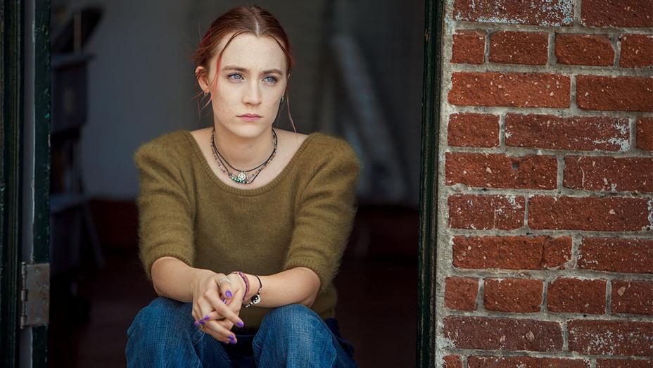 LADY BIRD - Still 4 - Saoirse Ronan  - Publicity-H 2017