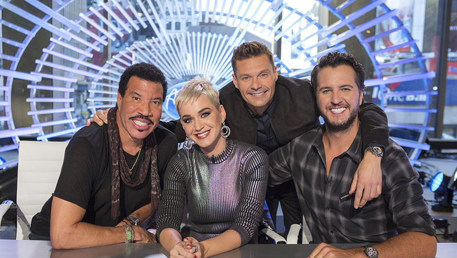 AMERICAN IDOL - Lionel Richie, Katy Perry and Luke Bryan with host Ryan Seacrest - EMBED 2017