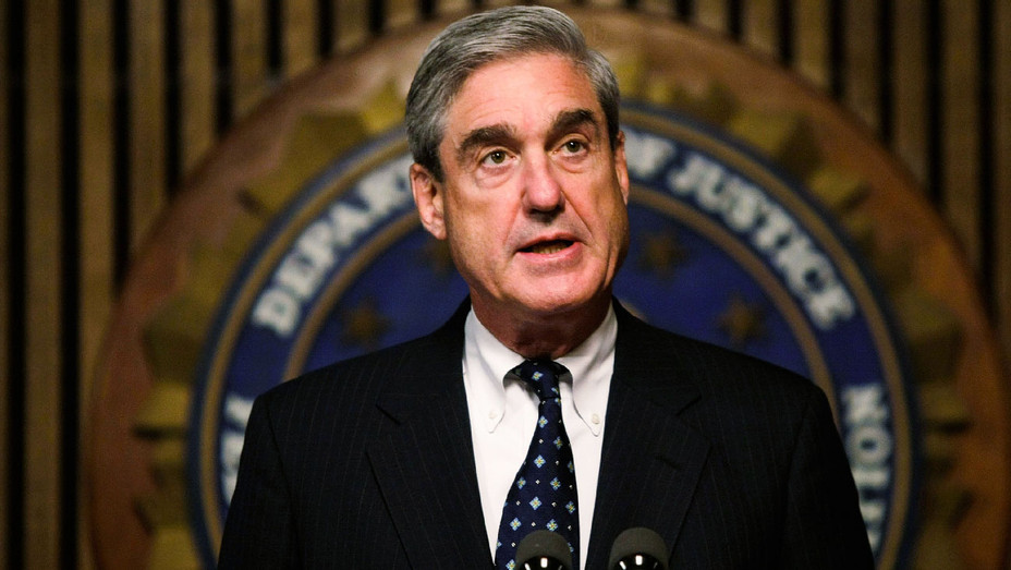 Robert Mueller - 2008 FBI News Conference - Getty - H 2017