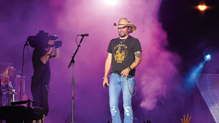 Jason Aldean -performs - October 1, 2017-Getty- EMBED 2017