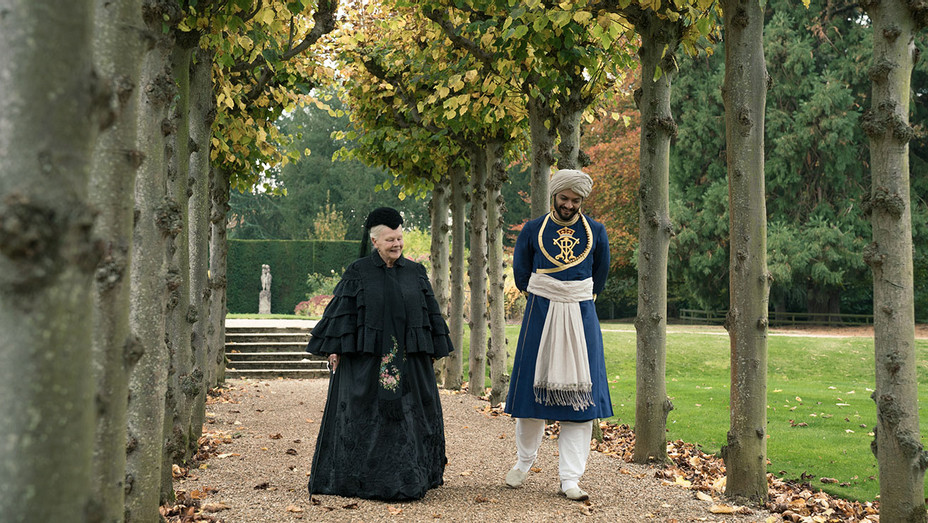 Victoria and Abdul Still 1 - Publicity - H 2017