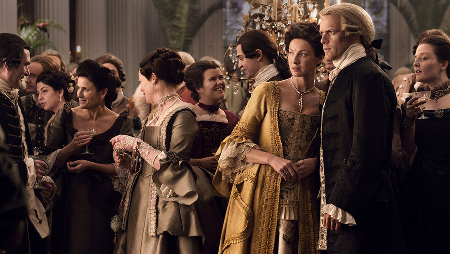 Outlander episodic of Caitriona Balfe and Sam Heughan- Publicity-H 2017