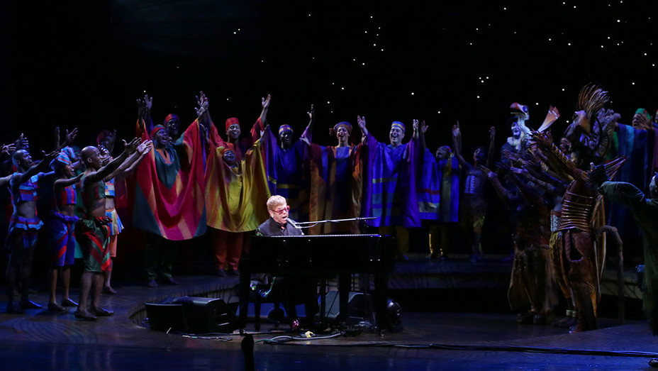 Elton John and the cast of The Lion King - photo by Walter McBride - 22992-H 2017