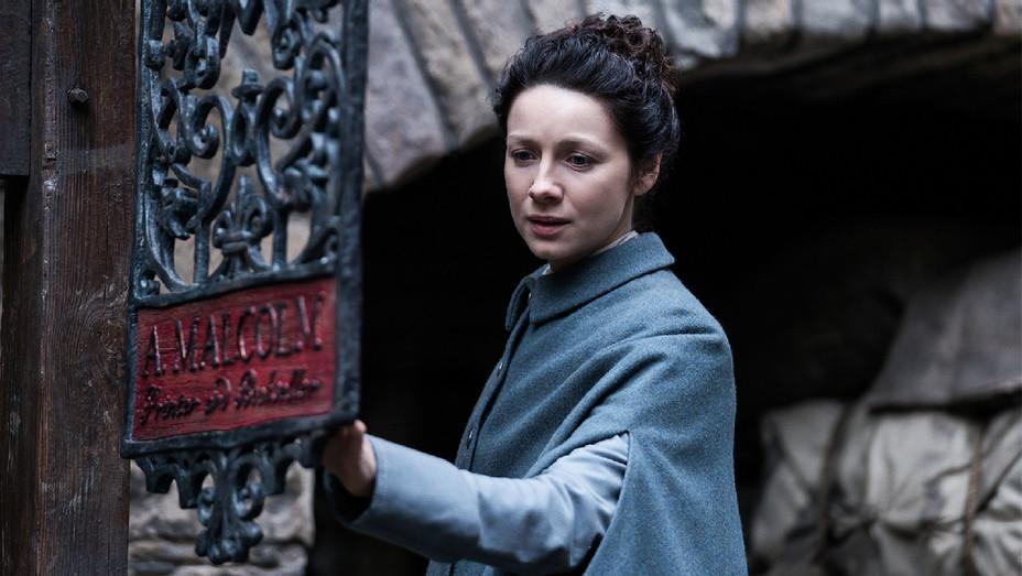 Outlander Still Episode 305 Caitriona Balfe - Publicity - H 2017