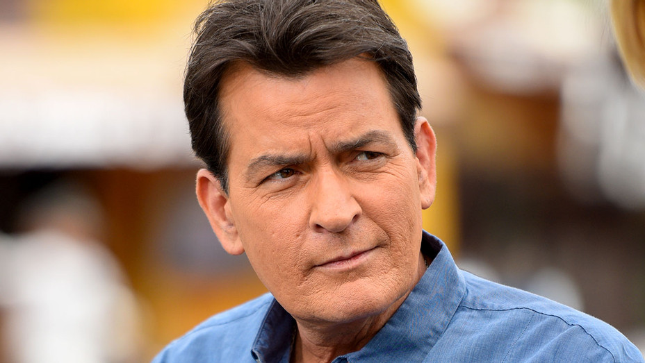 """Charlie Sheen visits """"Extra"""" at Universal Studios Hollywood on May 12, 2015 - Getty-H 2017"""