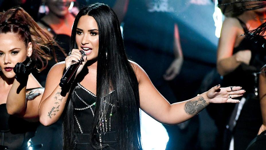 Demi Lovato - AMAs Performance - Getty - H 2017