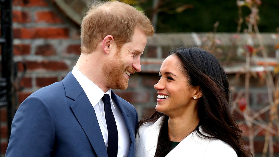 Harry and Meghan Markle -  official photocall to announce their engagement 2 - Getty-H 2017