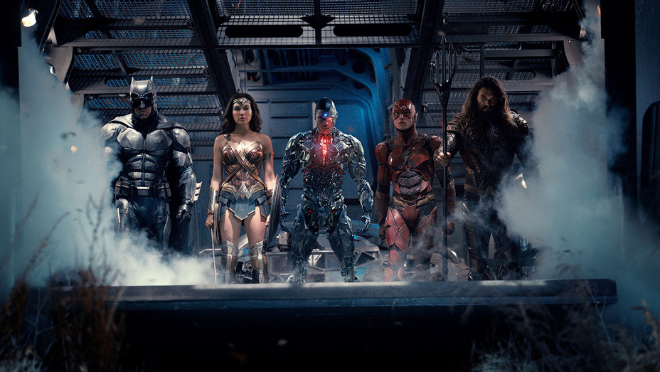 Justice League Still 2 - team- Publicity-H 2017