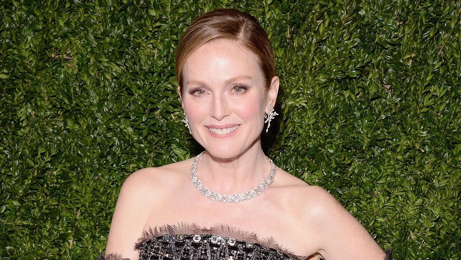 Julianne Moore - Getty - H 2017