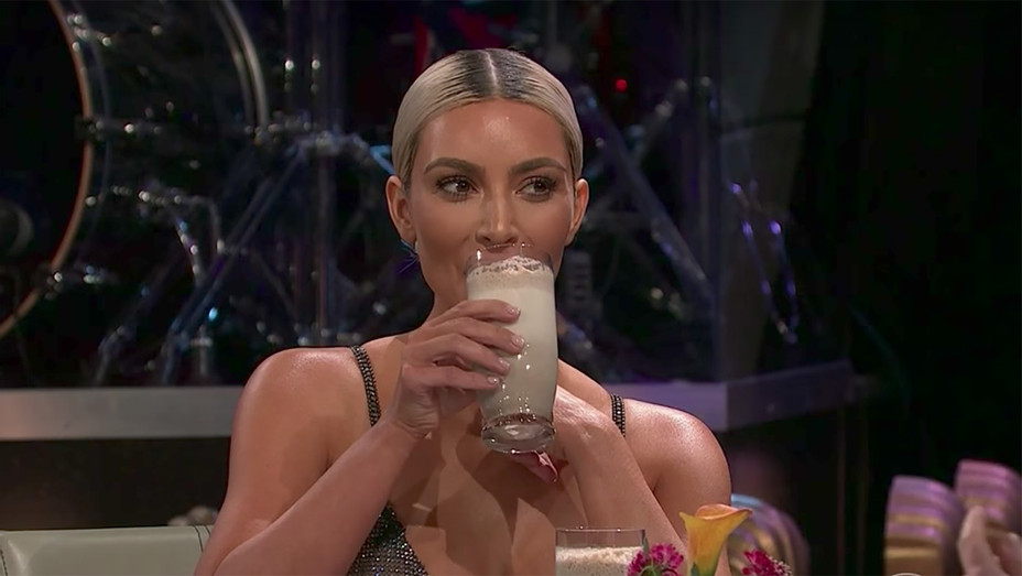 Kim Kardashian Smoothie - Publicity - H 2017