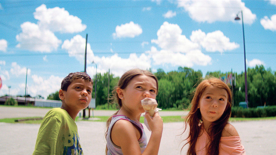 The Florida Project Still 1 - Publicity - H 2017