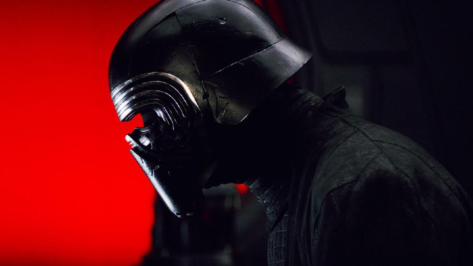 Star Wars: The Last Jedi Still 5 - Publicity - H 2017